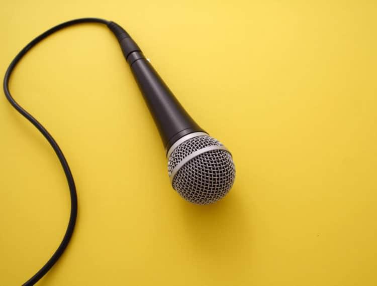 Saiba o que considerar para escolher o palestrante ideal