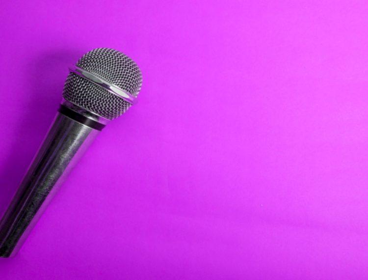 Prós e contras de palestrantes famosos e internacionais em eventos corporativos
